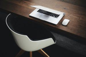 profesionalni pisarniški stoli